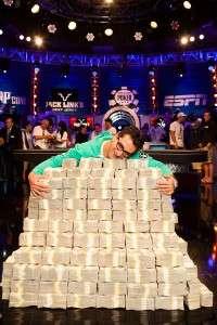 2012 Big One for One Drop Winner Antonio Esfandiari (C) WSOP
